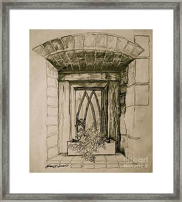 Ivy Framed Print by Linda Simon