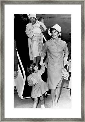Jacqueline Kennedy With Child Framed Print by Underwood Archives