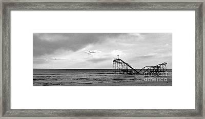 Jet Star Framed Print by Ryan Correll