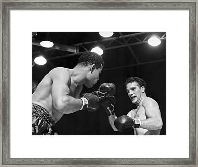 Joe Louis Fights Billy Conn Framed Print by Underwood Archives