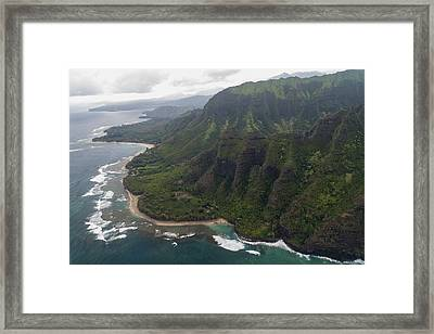 Kee Beach Along The Na Pali Coast - Kauai Hawaii Framed Print by Brian Harig