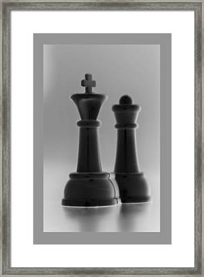 King And Queen In Black And White Framed Print by Rob Hans