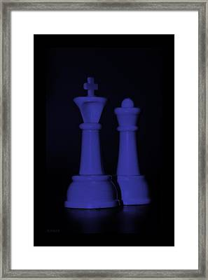 King And Queen In Purple Framed Print by Rob Hans