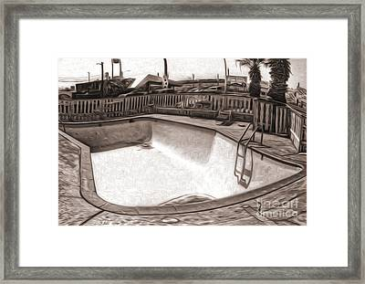 Kiva Motel -  Empty Pool Framed Print by Gregory Dyer