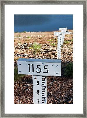 Lake Eucumbene In Drought Framed Print by Ashley Cooper