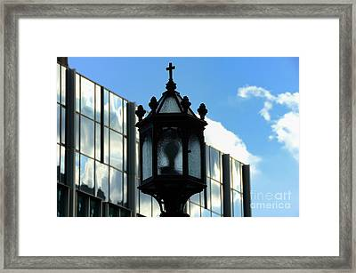 Lamp Post Pittsburgh Framed Print by Thomas R Fletcher