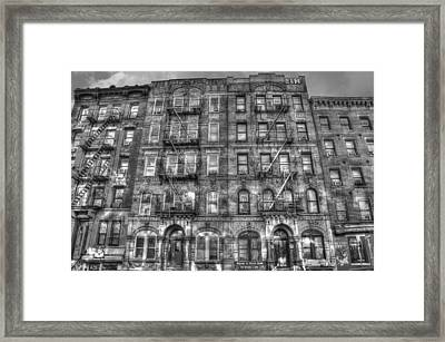 Led Zeppelin Physical Graffiti Building In Black And White Framed Print by Randy Aveille