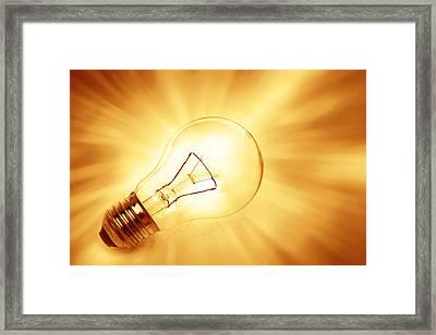 Light Bulb  Framed Print by Les Cunliffe