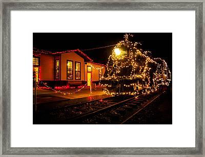 Lighting The 905 Framed Print by Toni Hopper