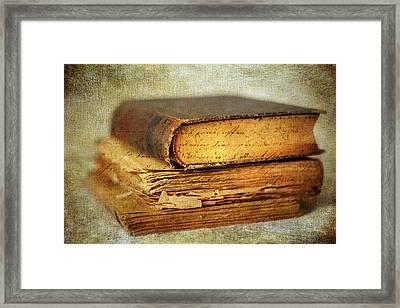 Livres Framed Print by Jessica Jenney