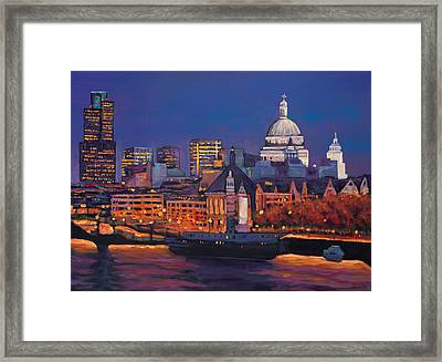 London Calling. Framed Print by Johnathan Harris