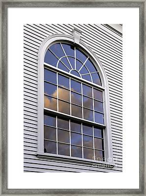 Looking Back Framed Print by Alan Palmer