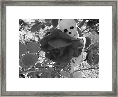 Love In Death Framed Print by Arielle Cunnea