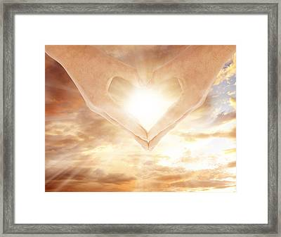 Love Framed Print by Les Cunliffe