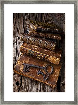 Love Reading Framed Print by Garry Gay