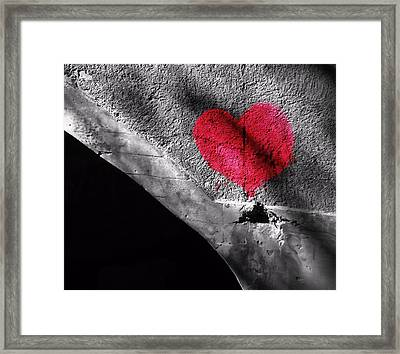 Love Under The Bridge Framed Print by Dan Sproul