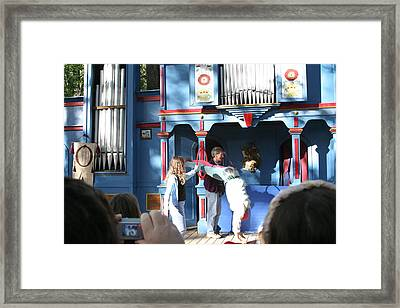 Maryland Renaissance Festival - A Fool Named O - 121216 Framed Print by DC Photographer