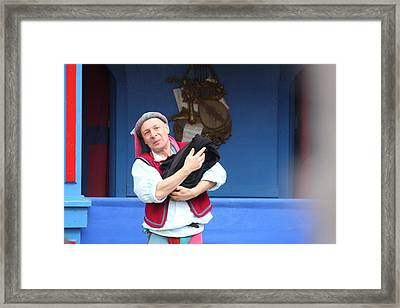Maryland Renaissance Festival - A Fool Named O - 121219 Framed Print by DC Photographer
