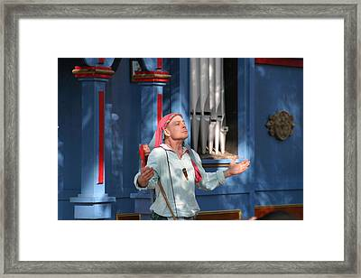 Maryland Renaissance Festival - A Fool Named O - 121220 Framed Print by DC Photographer