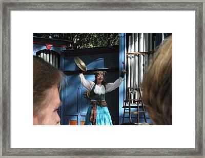 Maryland Renaissance Festival - A Fool Named O - 121223 Framed Print by DC Photographer