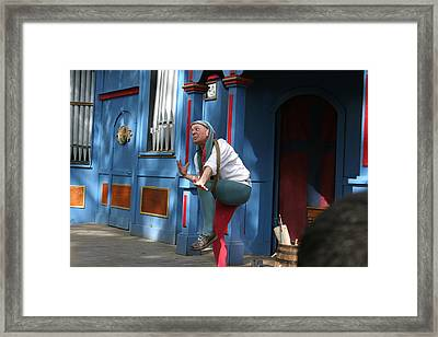 Maryland Renaissance Festival - A Fool Named O - 121235 Framed Print by DC Photographer