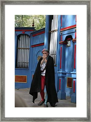 Maryland Renaissance Festival - A Fool Named O - 121244 Framed Print by DC Photographer