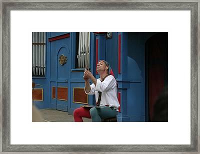 Maryland Renaissance Festival - A Fool Named O - 121252 Framed Print by DC Photographer
