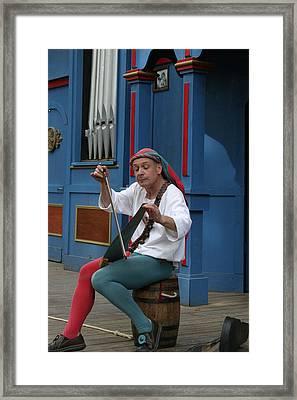 Maryland Renaissance Festival - A Fool Named O - 121253 Framed Print by DC Photographer
