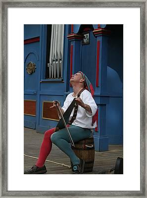 Maryland Renaissance Festival - A Fool Named O - 121255 Framed Print by DC Photographer