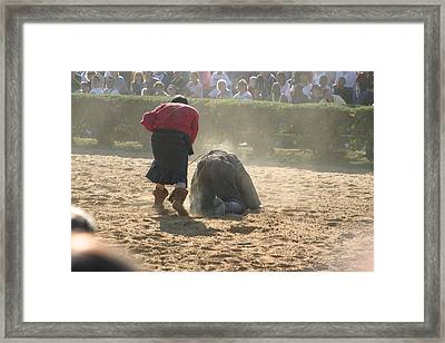 Maryland Renaissance Festival - Jousting And Sword Fighting - 1212100 Framed Print by DC Photographer