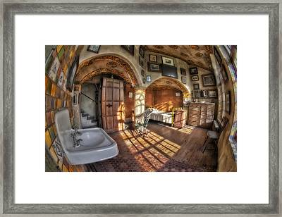 Master Bedroom At Fonthill Castle Framed Print by Susan Candelario