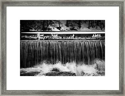 Meeting Place Framed Print by Sue OConnor