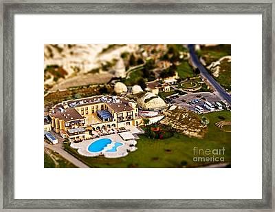 Mini Getaway Framed Print by Andrew Paranavitana