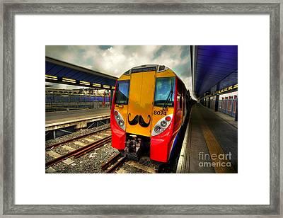 Mo Train  Framed Print by Rob Hawkins