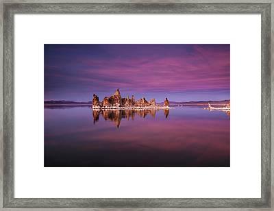Mono Lake Sunset Framed Print by Andrew Soundarajan
