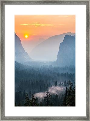 Morning Mist In The Valley Framed Print by Mike Lee
