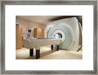 Mri Scanner Framed Print by John Cairns Photography/oxford University Images