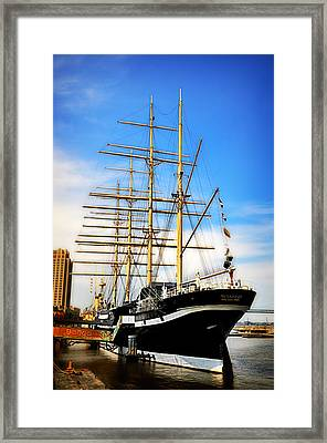 Mushulu At Penns Landing Framed Print by Bill Cannon