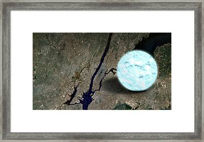 Neutron Star And New York City Framed Print by Science Source
