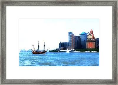 New York 4 Framed Print by Lanjee Chee