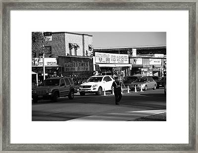 New York Street Photography 24 Framed Print by Frank Romeo