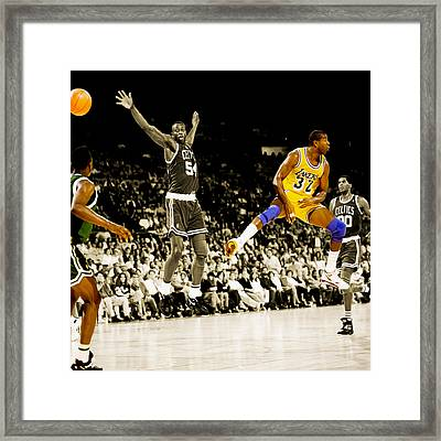 No Look Pass 2 Framed Print by Brian Reaves