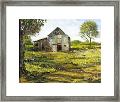 Old Barn Framed Print by Lee Piper