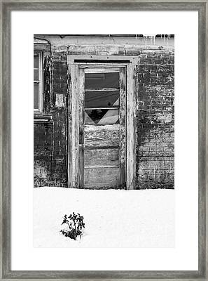 Old Door Winchester Nh Framed Print by Edward Fielding
