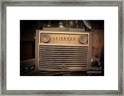 Old Rca Victor Antique Vintage Radio Framed Print by Edward Fielding