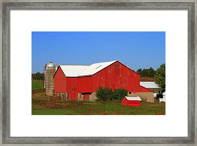 Old Red Barn In Ohio Framed Print by Dan Sproul