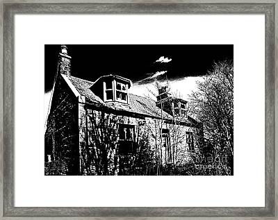 Old Scottish Farmhouse Framed Print by Liz  Alderdice