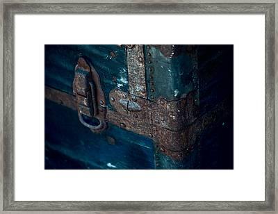 Old Steamer Trunk Framed Print by Bonnie Bruno