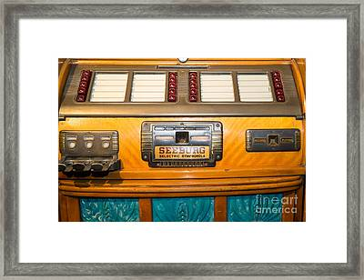 Old Vintage Seeburg Jukebox Dsc2803 Framed Print by Wingsdomain Art and Photography