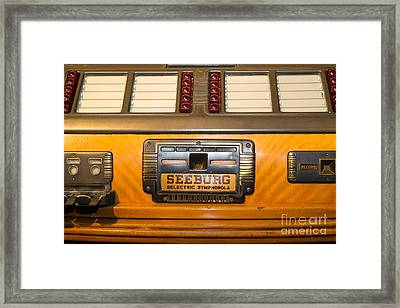 Old Vintage Seeburg Jukebox Dsc2805 Framed Print by Wingsdomain Art and Photography